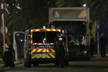 Masakër në Nice të Francës, një kamion merr përpara turmën: 73 të vdekur, 100 të plagosur