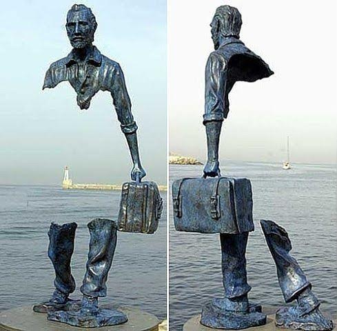 Kjo statujë krijuar nga Bruno Catalano,ndodhet në Francë