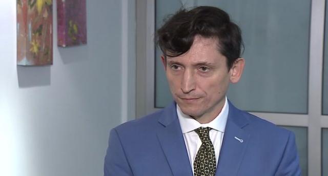 Ambasadori i Ukrainës në Beograd  Kam 14 muaj  pas derës  së Daçiç  e ai s më pret