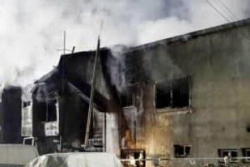 Prapaskenat e zjarrit në zyrat e AlUIZN-it në Fushë-Krujë: ja pse dosjeve të shtetit po u del tymi
