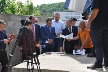 Banorët e Karaçevës në Kosovë, lutje institucioneve: t'i ruajmë tokat e brezit kufitar me Serbinë