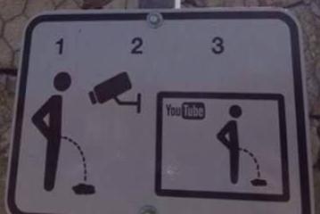 Jo vetëm për humor: pse duhet të ketë veçanërisht Shqipëria të tilla tabela…