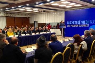 """Kritikat ndaj projektbuxhetit 2019, opozita mblidhet në """"parlamentin"""" e saj"""