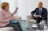 Merkel godet taksën e Haradinajt: prej saj, re të errëta mbi dialogun Kosovë-Serbi
