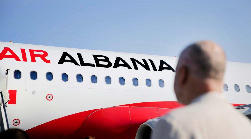 Rama publikon letrën  si qenka të udhëtosh të me Air Albania  së bashku dhe me Rudy Giulianin