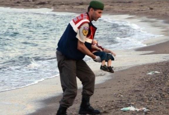 DEBATI/ Një film mbi Ajlan Kurdi: fëmija i qindra pikëpyetjeve etike