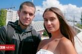 """BBC: Ariani dhe Selena nga Mitrovica, shqiptari dhe serbja që """"thyejnë akullin"""" për një takim, e që grinden në minutat e para (video)"""