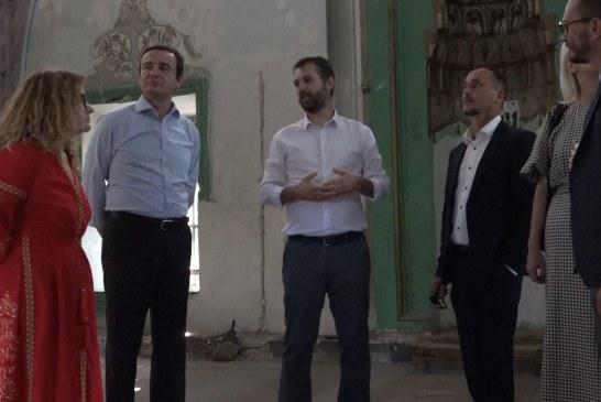 Fushata, Albin Kurti në Xhaminë e Çarshisë në Prishtinë: as kushtet minimale për vizitë!