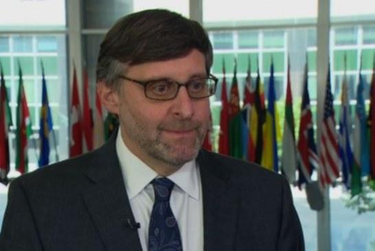 INTERVISTA/ Mathew Palmer: si mund të zgjidhej ngërçi Kosovë – Serbi dhe ai mes palëve politike në Shqipëri