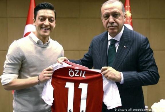 Ozil flet sërish: Fotoja me Erdogan? Sërish do e bëja…edhe me Merkelin