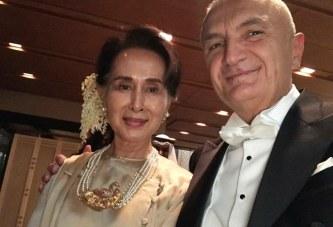Meta shpërfill tragjedinë e rohingave në Mianmar: kënaqësi të takohem me Aung San Suu Kyi