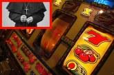 Prifti me ves kumari 'avullon' 1 milion dollarë të refugjatëve