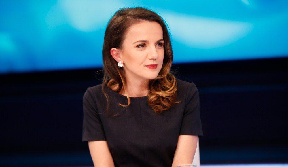 INTERVISTA  Rudina Hajdari   Jo  ja e BE së e ndau edhe më keq politikën shqiptare