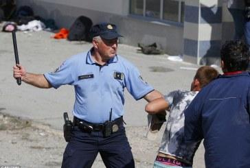 """""""Demostrimi i forcës"""", Kroacia, plumba ndaj emigrantëve"""