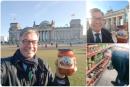 Ambasadori gjerman në Kosovë promovon produktet vejushave të Krushës në Berlin: Oh ç'ajvar!