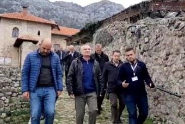 Meta ngjitet në Kalanë e Krujës: ja kur do i kthehem kauzës referendare