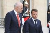 E prishi me negociatat, pritet ta ndreq me tërmetin: Macron premton  konferencë donatorësh në janar