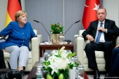 TAKIMI/ Udhëtimi i Merkelit tek një partner i vështirë