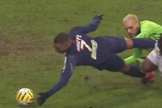 Mbappe, gol me dorë si Maradona (video)