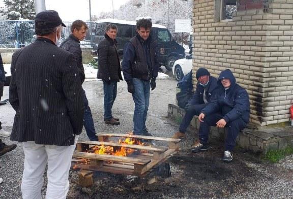 Rama: ç'po ndodh dhe ç'do të ndodh me shqiptarë të bllokuar në Kapshticë e Kakavijë