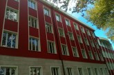 """SKANDALET/ """"Babrruja"""" viteve '80-'90 pa media: cila ishte shkolla me """"pullë të kuqe"""" në zemër të Tiranës"""