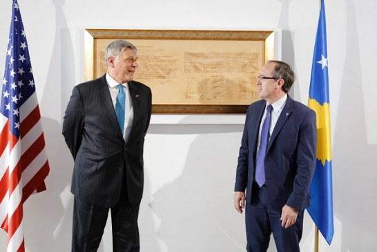 Qeveria e re e Kosovës, Uashingtoni në zyrën e Hotit: Për dialogun, na ke pas!