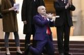 PIRUETA/ Si legjitimohet e delegjitimohet Parlamenti në Presidencë: kjo është kontradikta e fundit e Metës