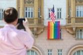 Putin komenton flamurin LGBT në ambasadën e SHBA: tregon se kush punon aty!